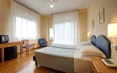 Camera Doppia Matrimoniale vista Giardino con Balcone-1